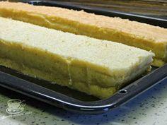 """Secretele bucatariei noastre: PRĂJITURĂ """"ŞTAFETE"""" Hot Dog Buns, Hot Dogs, Dessert Bars, Deserts, Bread, Cooking, Food, Kitchen, Desserts"""