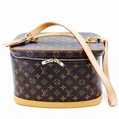 Louis Vuitton Nice Beauty Case Monogrammed Travel Bag $1,220