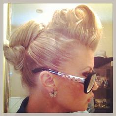Rockabilly Hair....pretty sure I could do this to my hair. Need some LIFT!