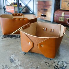 Origami Leather Basket / Cognac Brown
