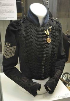 One female eyewitness in Brussels said the Brunswick troops look like a funeral procession marching through in their black uniforms. Military Style Jackets, Military Jacket, Indian Men Fashion, Mens Fashion, Army Uniform, Military Uniforms, Military Looks, Napoleonic Wars, Historical Clothing