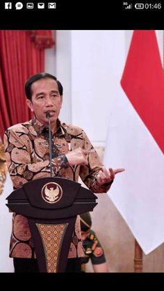 Jual beli Kemeja Batik Pria Kawung Oracle (Batik Print) -- sama dengan yang dipakai Pak Jokowi di Lapak Go Batik Go - gobatikgo. Menjual Kemeja - Batik Kawung Oracle (seperti dipakai Pak Jokowi) sudah restock nih, siapa yang kemarin belum kebagian nih??   PS..warna sesuai yang dipakai model ya, yang dipakai Pak Jokowi agak coklat karena pengaruh lightning.   Bahan pewarna grade A++, material 100% katun grade A++ (kualitas ekspor) Tidak mudah luntur, pencucian 20-30x warna baru turun sekitar…