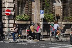The Rise of Bicycles in   Rome.  Karen Parolek finds the rising use of bicycles in central Rome a promising sign of change.