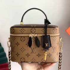 2020 New Direct Selling Louis Vuitton Cosmetic Bag 14 19 Buy Bes Louis Vuitton Cosmetic Bag 14 19 For Men And Women On Abags With Huge Discount Louis Vuitton Cosmetic Bag, Louis Vuitton Suitcase, Louis Vuitton Dress, Louis Vuitton Handbags, Louis Vuitton Monogram, Luxury Purses, Luxury Bags, Dior Handbags, Backpacks