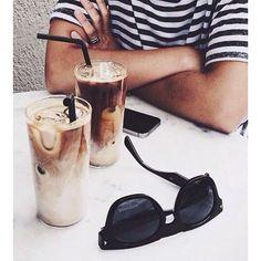 Planazo #afterwork ahora que el solecito parece que quiere acompañarnos  #enjoy #madrid #style #foodie #lifestyle #disfrutamadrid #spring #primavera #l4l #summer #rayban #inspo #f4f #inspiration #nice #cute #simple #fashion #live #love #like #vsco #vscocam pic vía #pinterest by now.magazine