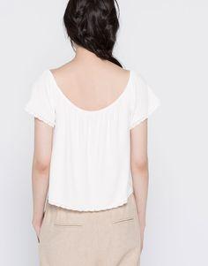 Blusa de renda - T-shirts - Vestuário - Mulher - PULL&BEAR Portugal