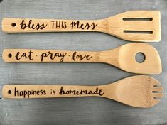Three Natural wooden spoons as shown Length: approx 12 inches Thickness: approx inch Hand Burned I love working with natural materials and have found a passion in wood burning! Each Item is one of a kind & made with love Wood Burning Tips, Wood Burning Crafts, Wood Burning Patterns, Wooden Spoon Crafts, Wooden Spoons, Wood Crafts, Spoon Art, Got Wood, Homemade Christmas Gifts