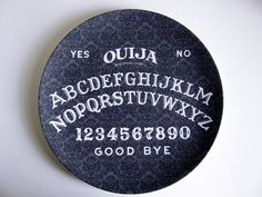 Another to add to the mix of plates for a Halloween party...Ouija Board - Decorative Plate - Melamine - Dinnerware - Occult. $16.00, via Etsy.