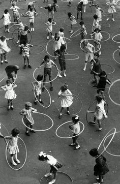 Dorcas Street State School in South Melbourne practising the hula hoop in Image: HWT archive. What life was like in Melbourne in the Black White Photos, Black And White Photography, Street Photography, Art Photography, Reportage Photography, Fitness Photography, The Good Old Days, Vintage Photographs, Vintage Images