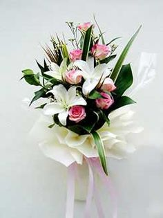 Our Gurgaon Florist Send Flowers to Gurgaon at affordable prices fresh cakes, fresh Roses and flower delivery Gurgaon over services just for you to send gifts and flowers India. Send Flowers Online, Order Flowers, Online Florist, Local Florist, Exotic Flowers, Beautiful Flowers, Online Flower Delivery, Mothers Day Special, Diwali Gifts
