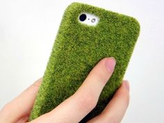 The Shibaful iPhone Case for the iPhone 5/5s puts a piece of Tokyo's finest greenery literally in your pocket. GetdatGadget.com/shibaful-iphone-case-adds-little-green-pocket/