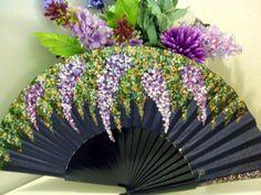 Lovely fan with purple wisterias Fancy Hands, Pretty Hands, Hand Held Fan, Hand Fans, Stained Glass Mirror, Purple Wisteria, Painted Fan, Fan Decoration, Royal Colors