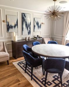 FIRST REVEAL Merry Christmas from our finished dining room. I had so many moment… – Dining Room Decoration Inspiration, Dining Room Inspiration, Design Inspiration, Furniture Inspiration, Decor Ideas, Home Interior, Interior Decorating, Interior Design, Luxury Interior