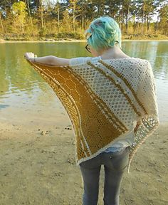 Hotel of Bees shawl.