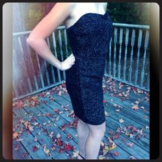 🎉HP🎈🎊Sexy glittery dress ☝️💸MAKE AN OFFER!!) Body hugging black with gold specks of glitter      Totally comfy n sexy all in one 💄 Dresses