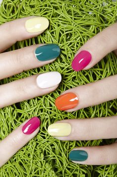 I love this look from @Sephora's #TheBeautyBoard http://gallery.sephora.com/photo/simple-spring-nails-jinsoon-29351
