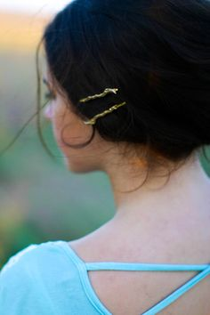 Super cute Twig / Branch bobby pins/ hair pins on Etsy!