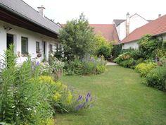 Idyllische Bauerngarten Ambiente im Wein4tler- Bauerngarten Parbus.