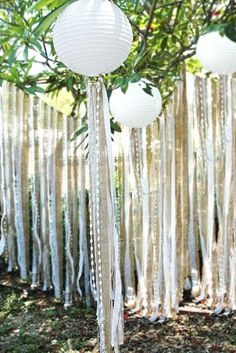 These white paper lanterns look stunning with hessian and lace ribbon hanging from them for an outdoor wedding. Hessian Wedding Ideas - for rustic weddings Chic Wedding, Dream Wedding, Wedding Blog, Wedding Ceremony, Wedding Rustic, Wedding Vintage, Wedding App, Trendy Wedding, Garden Wedding