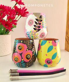 Painted Pots, Hand Painted, Wood Glass, Wooden Kitchen, Bottle Art, Magazine Art, Clay Crafts, Garden Pots, Folk Art