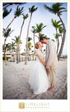 CASA MARINA Wedding, Bride and Groom, Limelight Photography, Wedding Photography, www.stepintothelimelight.com