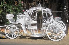 Horse And Carriage Wedding, Horse Wedding, Horse Carriage, Dream Wedding, Wedding White, Cinderella Sweet 16, Cinderella Wedding, Princess Carriage, Cinderella Carriage