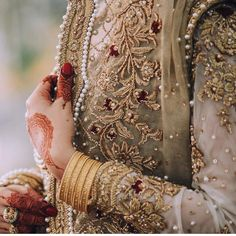 Beautiful pearls and antique gold embellishments 💕Loving these details by Zaheer Abbas Red Wedding Gowns, Pakistani Formal Dresses, Shadi Dresses, Pakistani Wedding Outfits, Wedding Dresses For Girls, Pakistani Wedding Dresses, Bridal Outfits, Wedding Wear, Indian Outfits