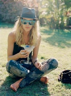 Acid Washed Jeans on a Summer Day + Erin Wasson <3 #ULTIMATEFASHIONICON