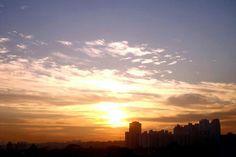 Foto de Luiz de Campos Jr 04/03/2013 sp, 6h24 - sol 13peixes57 [junto com mercúrio, vênus e marte]; lua 'quarto minguando' em 7sagitário10. enquanto isso, aqui na terra... já faltam só 16 graus/dias para o outono. bonsdias! —em Butanta, Sao Paulo.(sic)