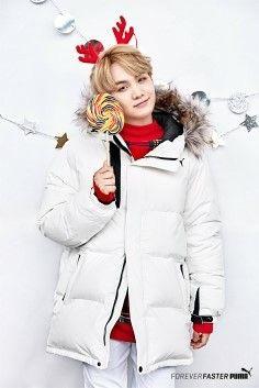 All I want for Christmas is Yoongi! Jhope, Taehyung, Min Yoongi Bts, Min Suga, Bts Bangtan Boy, Jimin, Bts 2018, Foto Bts, Bts France