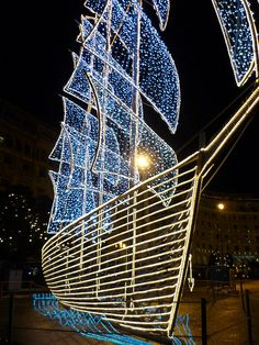 Christmas in Thessaloniki! Exterior Design, Interior And Exterior, Seasons In The Sun, Christmas Decor, Christmas Tree, Places In Greece, Cultural Capital, Buddhists, Beautiful Sites