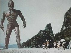 This has got to be one of my favorite scenes, easily in the TOP I want to sculpt this pic or maybe another with TALOS. Fantasy Series, Fantasy World, Fantasy Art, Mighty Joe Young 1949, First Color Film, Romania People, Jason And The Argonauts, Skeleton Warrior, Clash Of The Titans