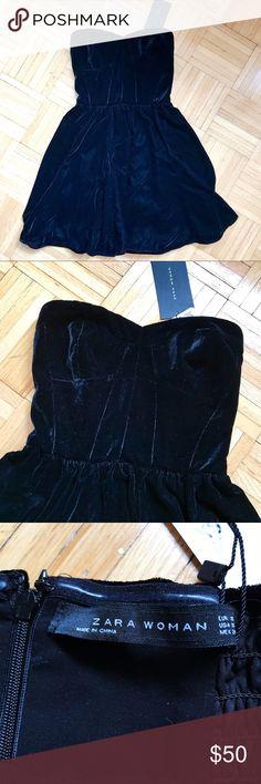 NWT black velvet strapless bustier Zara dress NWT black velvet strapless bustier Zara dress. Size XS Zara Dresses Strapless