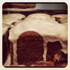 Vegan Pumpkin Cake with Vanilla Bean Icing. #tendergreensirvine