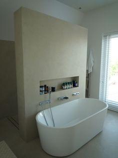 Wet Room Bathroom, Small Bathroom, Master Bathroom, Interior Design Classes, Bathroom Interior Design, Bad Wand, Earthy Home Decor, Modern Bathtub, Bathroom Design Inspiration