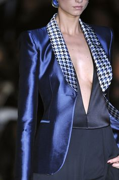 Giorgio Armani - Satin Blazer in midnight blue with houndstooth collar