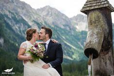 Hochzeit Lisa Alm Flachau – Lisa & Rob - Foto Sulzer Blog Lisa, Wedding Dresses, Pictures, Engagement, Pretty Pictures, Simple, Nice Asses, Bride Dresses, Bridal Gowns