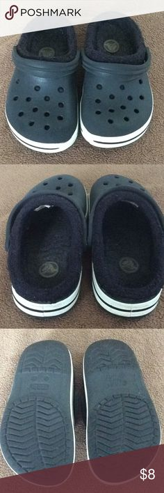 Lined Crocs Life still left in these🙂. Lined but these have been washed.  Missing Crocs tags on back.  Size 10-11. CROCS Shoes Slippers