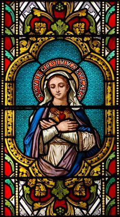 Vitrail Vierge Arc en Barrois