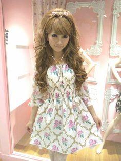 Short white dress with long sleeves & pink flowers from himegyaru brand Jesus Diamante.