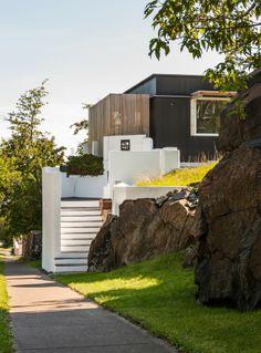 Hall House Architects: Salmela Architect Location: Duluth, MN, USA Architect In Charge: David Salmela Project Architect: Malini Srivastava Area: 2,424 sqm Year: 2012 Photographs: Paul Crosby