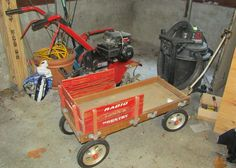 Unknown Radio Flyer Country Wagon And Craftsman Shop Vac
