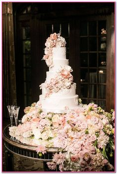 10 The prettiest floral wedding cakes for any season ? five-tiered wedding cake : 10 The prettiest floral wedding cakes for any season ? five-tiered wedding cake Big Wedding Cakes, Floral Wedding Cakes, Wedding Cakes With Flowers, Elegant Wedding Cakes, Beautiful Wedding Cakes, Gorgeous Cakes, Wedding Cake Designs, Wedding Cupcakes, Chic Wedding