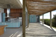 outdoor kitchen Outdoor Kitchen Patio, Outdoor Decor, Outdoor Kitchens, Outdoor Spaces, Beach House Kitchens, Home Kitchens, Best Architects, Outside Living, Home Reno
