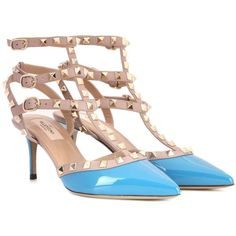 Valentino Valentino Garavani Rockstud Patent Leather Pumps (2.275 RON) ❤ liked on Polyvore featuring shoes, pumps, blue, patent leather pumps, blue shoes, blue kitten heel shoes, valentino shoes and kitten heel shoes