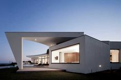 Surprising Architecture Displayed By Coastal Residence
