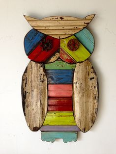 Owl by ridleystallingsart on etsy reclaimed wood art, by rid Awesome Woodworking Ideas, Woodworking Patterns, Woodworking Projects, Woodworking Garage, Intarsia Woodworking, Woodworking Basics, Woodworking Techniques, Owl Crafts, Diy And Crafts