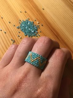 Fish Patterns, Bead Loom Patterns, Beading Ideas, Peyote Stitch, Beaded Rings, Loom Beading, Seed Beads, Glass Beads, Necklaces