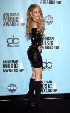 Shakira at the 2009 American Music Awards - Press Room held at The Nokia Theatre L. Live in Los Angeles, California on November 2009 American Music Awards, Hot Country Girls, Hot Girls, Divas, Shakira Mebarak, Sexy Latex, Picture Collection, Female Singers, Celebs