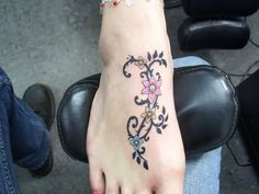 Extreme Vine Tattoo On Foot